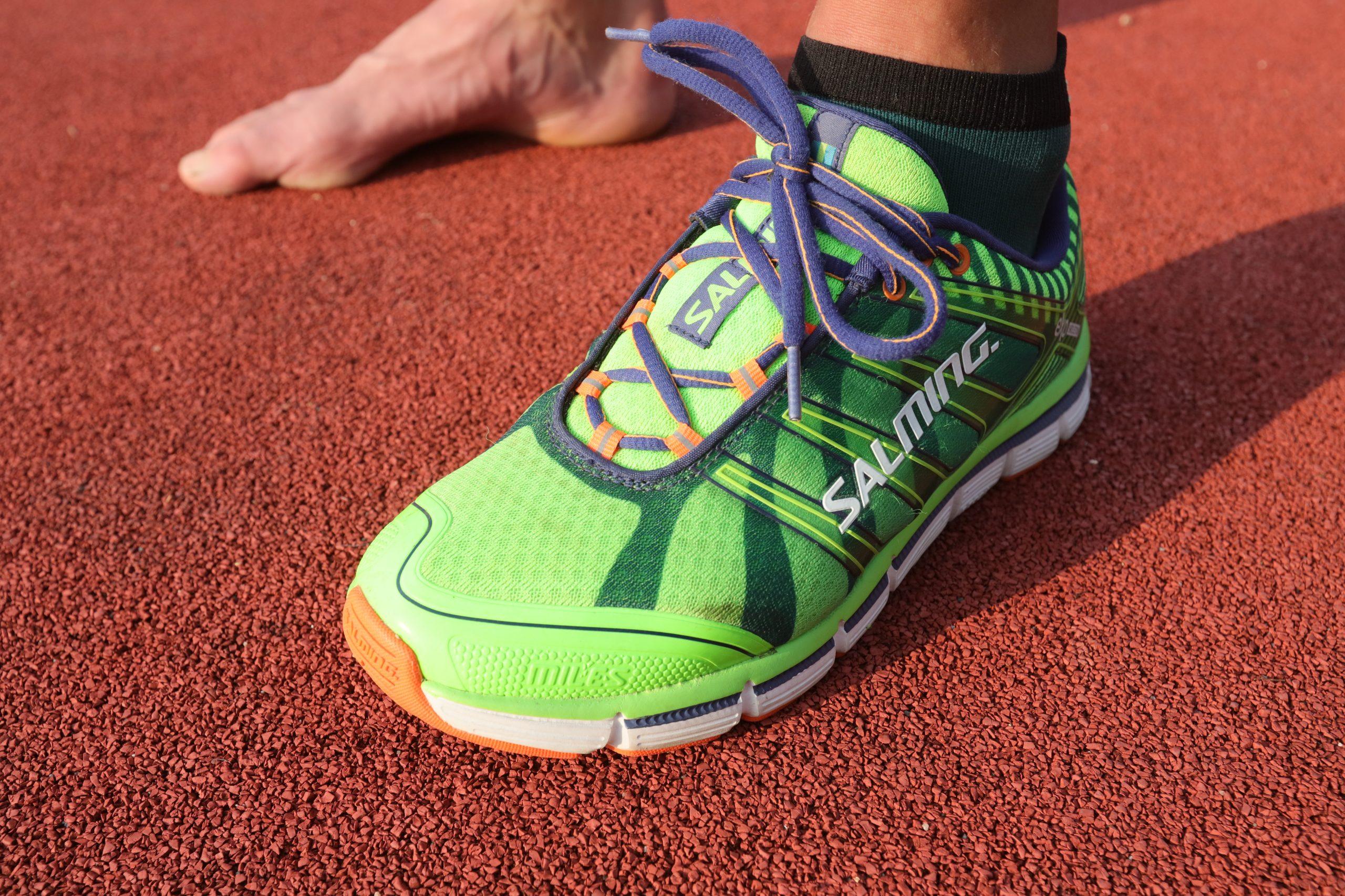Povrch, po němž běháte, to je oč při výběru běžeckých bot běží necitlivé chodidlo
