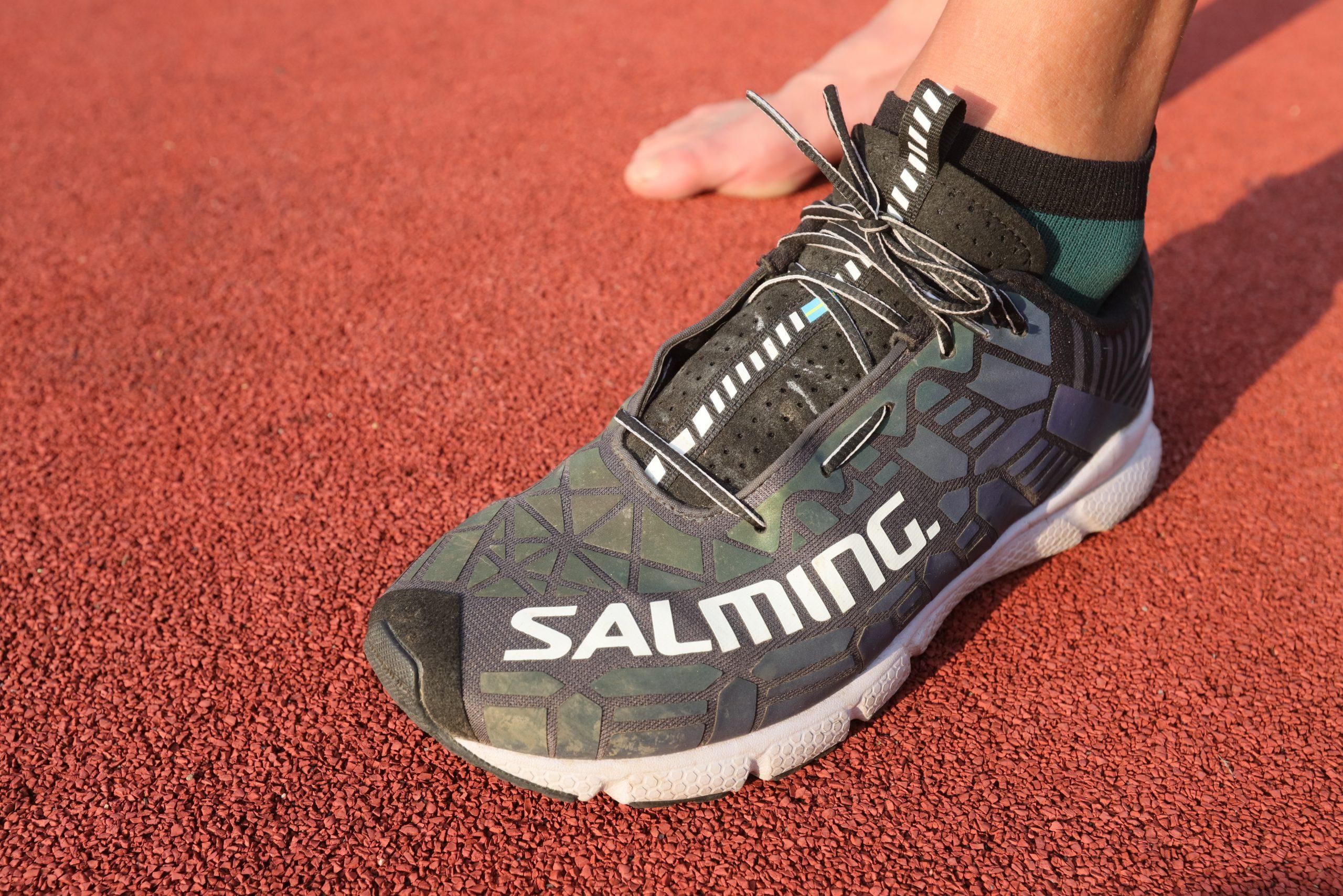 Povrch, po němž běháte, to je oč při výběru běžeckých bot běží široké chodidlo