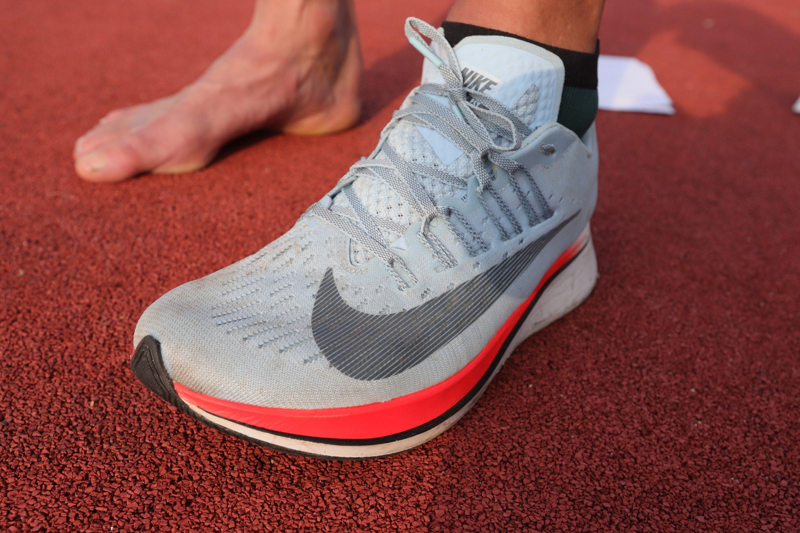 Povrch, po němž běháte, to je oč při výběru běžeckých bot běží úzké chodidlo