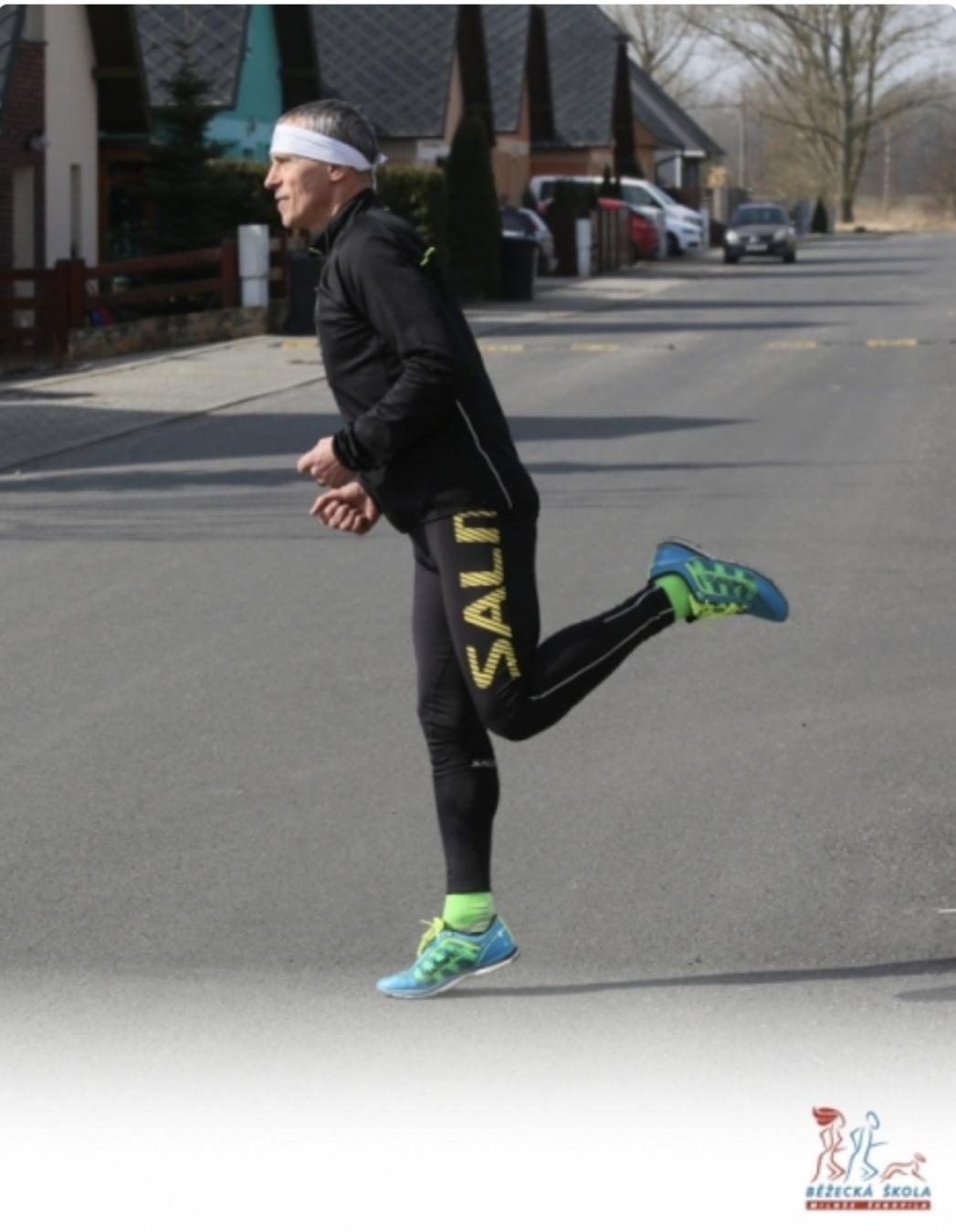 Přirozený běžecký styl se dokáže naučit každý zakopni a leť