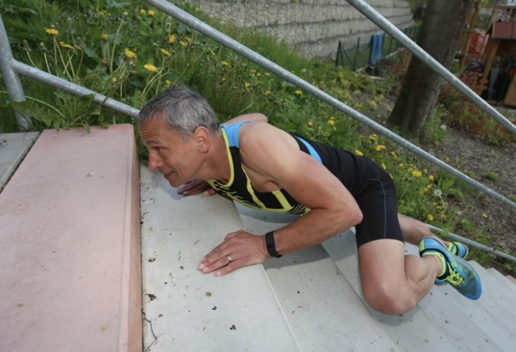 Schází ti kopce, běhej a cvič na schodech - krokodýl 2