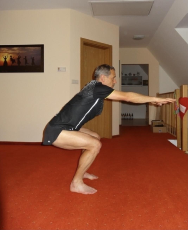 Speciální běžecký trénink, který vám pomůže se zlepšit o mnoho procent a tipy na léto - běž do dřepu