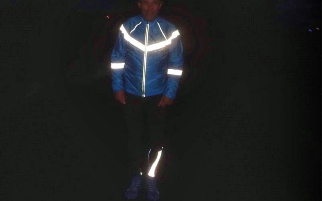 Běhání ve tmě. Snažte se vidět, neoslňovat a být vidět